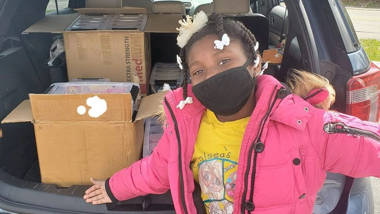 Meet Chelsea: a 10-year-old girl with a heart for art and others